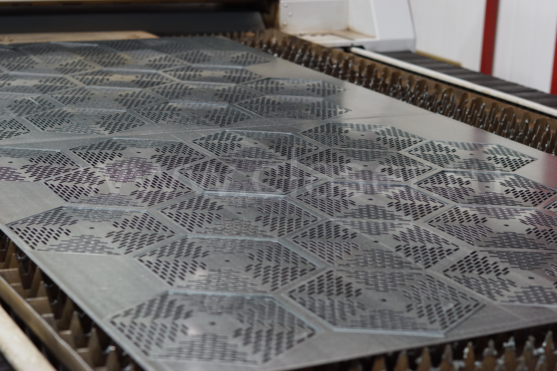 Примеры лазерной резки металла фото 17